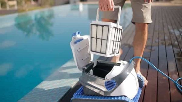 Robot nettoyage piscine - Pisciniste Genève