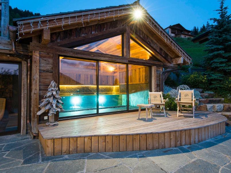 Construction piscine spa parois verre Genève